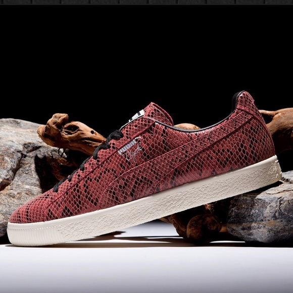 the best attitude af86f de2e1 £ NWT Puma CLYDE Snake Red Sneakers Black NWT